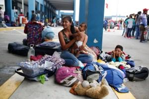 """El plan de Maduro """"Vuelta a la Patria"""" solo ha atendido a 0,3% de los migrantes venezolanos"""