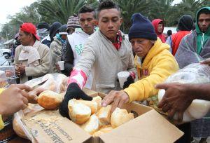 EEUU advierte de que las caravanas de migrantes deberán esperar en México para pedir asilo