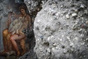 Descubren un fresco del mito griego de Leda y el cisne en Pompeya (fotos)