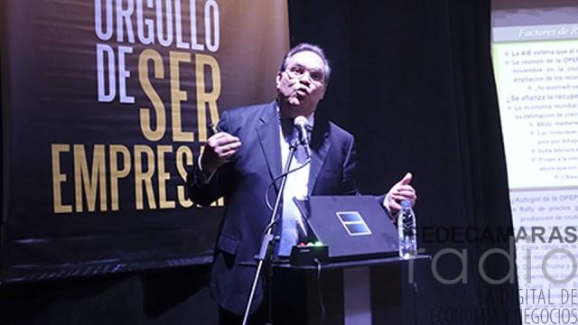Leonardo Buniak: Medida de notificar al banco para viajar va en contra de las libertades económicas