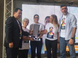 La OIDH otorgó condecoración Martin Luther King a Freddy Guevara