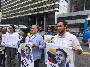Tras cumplirse 100 días de la detención de Juan Requesens, familiares de presos políticos protestan en Chacao