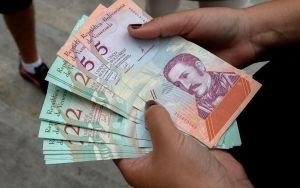 Economistas consideran que los nuevos anuncios de Maduro son una mezcla explosiva (Tuits)