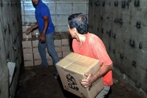 LA FOTO más repulsiva: El arroz con moho que entrega el chavismo en los Clap