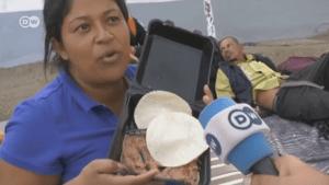 """Esta migrante de la caravana se hizo viral por """"rechazar"""" un plato de frijoles desatando enojo y fake news (VIDEO)"""