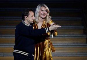 """¡Insólito! DJ francés le preguntó a la ganadora del Balón de Oro si sabía """"perrear"""""""