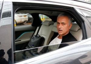 """Mourinho no espera """"cantidades locas"""" en próximo mercado de fichajes"""