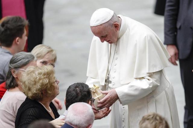 El Papa pide no ceder ante situaciones negativas de cierre y rechazo