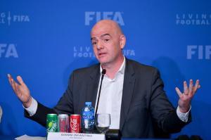 Infantino asegura que federaciones apoyan inclusión de 48 equipos en Mundial de fútbol de Catar 2022