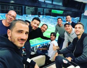 La lluvia de figuras que tomaron el Bernabéu para ver la final entre River y Boca