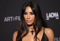 Kim Kardashian abre las piernas y enloquece en Instagram a sus seguidores (Fotos)