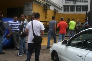 Desorden en la venta de baterías en Táchira
