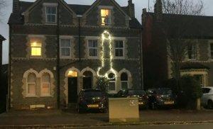 La decoración navideña que causó indignación en el Reino Unido (foto)