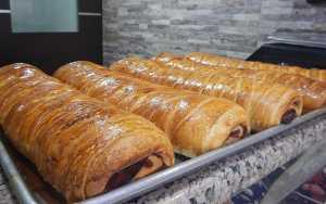 Pan de jamón se comienza a ver en algunas panaderías en 10 dólares