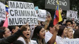 Senadores de Estados Unidos presentan proyecto de ley para otorgar TPS a venezolanos (documento)