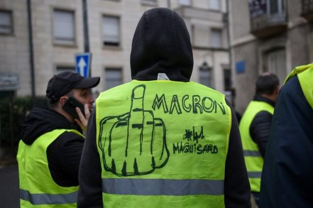 Macron anuncia nuevas medidas para salir de la crisis de los chalecos amarillos