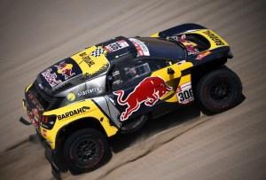 Loeb gana su tercera etapa del Rally Dakar y asciende en la clasificación general de autos