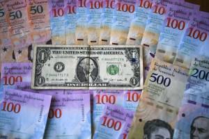 El dólar se dispara y acelera el aumento de los precios en Venezuela