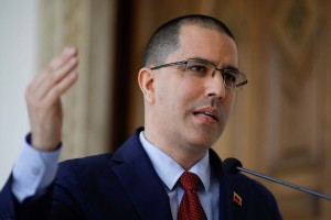 Arreaza: Hacemos responsable al presidente de Ecuador de la seguridad e integridad de venezolanos