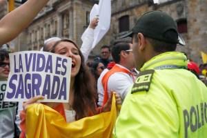 """Eln reivindica atentado de Bogotá y dice que está """"dentro del derecho de la guerra"""""""