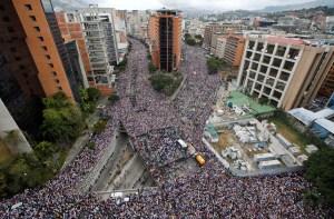 FOTOS que dan la vuelta al mundo: El rechazo a Maduro y el impactante respaldo a Guaidó #23Ene