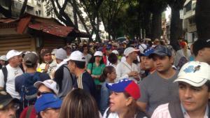 9:48 am Manifestantes se concentran en La Candelaria (FOTOS) #23Ene