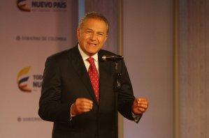 Exdirector de la Policía de Colombia niega haber protegido a El Chapo Guzmán
