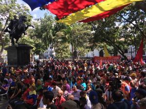 """Chavistas intentan confundir y realizan un cabildo abierto para """"reconocer a Maduro"""" (FOTOS)"""