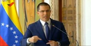 Arreaza asegura que Lenín Moreno inspiró una ola de xenofobia contra los venezolanos
