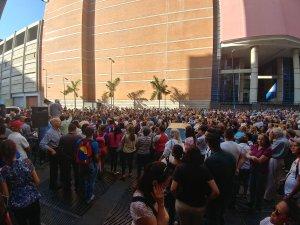 Ciudadanos acudieron a cabildo abierto en La Candelaria pese a represión en varias zonas de Caracas (Video)