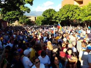 """En imágenes: Guarenas y Guatire gritaron """"¡Libertad!"""" en cabildo abierto de la AN este #22Ene"""