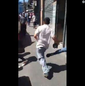 Agreden a comerciante ecuatoriano en Plaza Catia de Caracas (VIDEO)