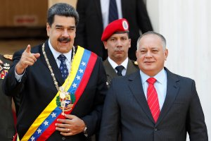 """""""Colapso económico de Venezuela hace insostenible gobierno de Maduro"""""""