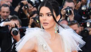 Kendall Jenner inicia el 2019 derritiendo la nieve con su desnudez