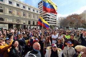 En España, los venezolanos alzaron su voz contra Maduro #23Ene (video)