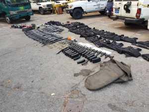 Este sería el armamento incautado en Cotiza (FOTOS)