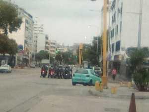 Fuerzas del régimen de Maduro comienzan a llegar a la avenida Victoria #23Ene