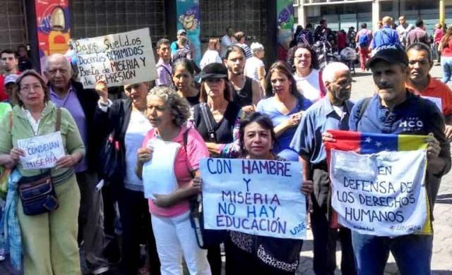 Con hambre y miseria no hay educación: Docentes venezolanos atraviesan su  momento más oscuro