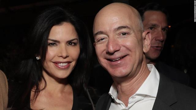 Jeff Bezos, dueño de amazon le descubrieron su infidelidad con Lauren Sanchez