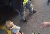 Imagen viral: Niña se entrega con las manos en alto mientras detienen a su padre en EEUU