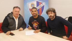 Yangel Herrera llega cedido al Huesca por el Manchester City