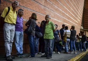 Banco de Venezuela en Nueva Esparta sólo da 10 mil bolívares a pensionados #22May