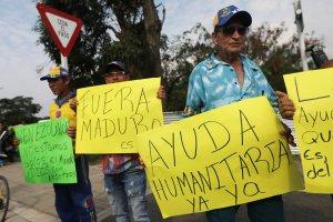 """""""Es un gran paso para salir de Maduro"""": Venezolanos en Cúcuta celebran llegada de ayuda humanitaria (Video)"""