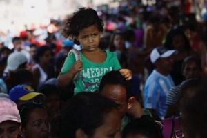 El estremecedor relato de un niño venezolano: Me duele mucho la barriga porque no como (VIDEO)
