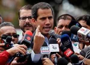 Guaidó responde a Maduro: Ahora quiere elecciones, pero ni una elección de reina de carnaval ganaría (VIDEO)