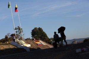 GNB cobra peaje para paso de mercancía en la frontera con Brasil, denuncia embajadora
