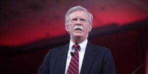 Bolton ante la visita de Quevedo a India: No olvidaremos los países y empresas que apoyen el robo a venezolanos