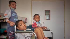 Para niños pacientes del Hospital JM de los Ríos, la última esperanza podría ser la ayuda humanitaria (Fotos)