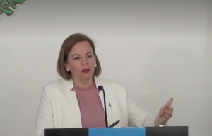 Primera ministra de Aruba dice que están preparados para enfrentar el cierre fronterizo con Venezuela