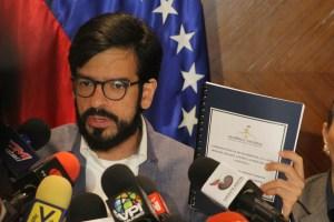 Pizarro se solidarizó con Ramos Allup y AD luego de nueva arremetida del régimen chavista